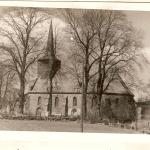 Kiełpino, kościół, widok od południowego-zachodu, lata 30/40. XX wieku, fot. Gebr. Rogorsch, Danzing