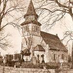 Pruszcz, kościół, widok od południowego-zachodu, lata 30. XX wieku, Albert Ulrich, Chronik des Kreises Greifenberg in Hinterpommern. Ein pommersches Heimatbuch, 1990, s. 327 in.