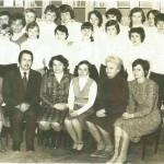 Uczniowie kl. VIII z wychowawczynią, p. Zofią Wilczurą oraz nauczyciele: p. G. Kuźmińska, p. W. Kubiak, p. L. Ignaszewska, p. I. Błaszczuk, p. K. Zaborowska, p. H. Janecka, p. E. Łoziński.